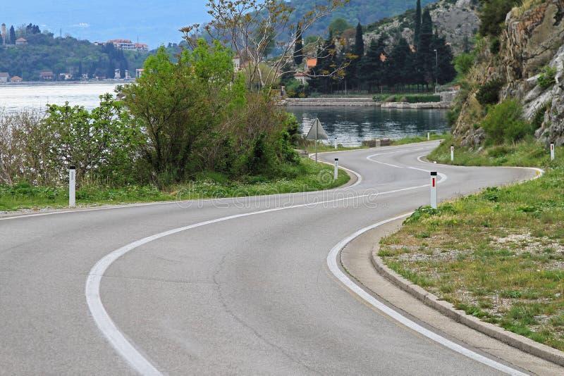 弯曲的海边路 库存图片