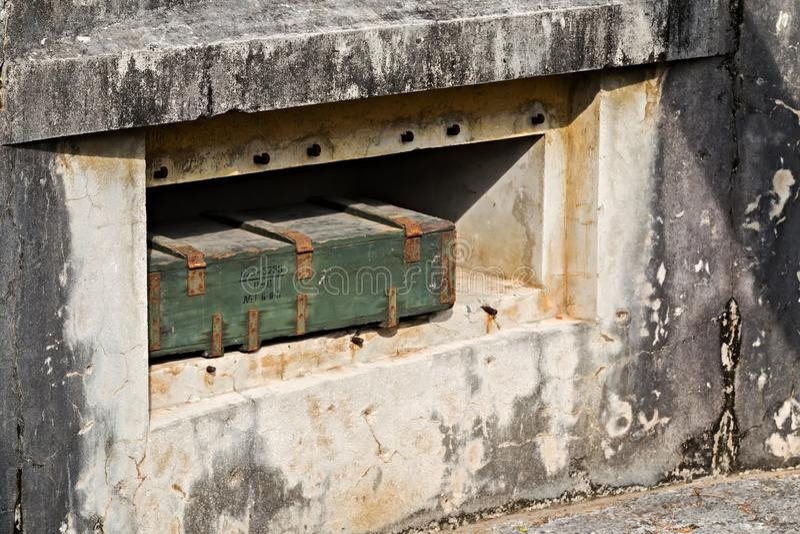 弹药集中处箱子大炮堡垒,猫Ba,越南印度支那战争 免版税库存照片