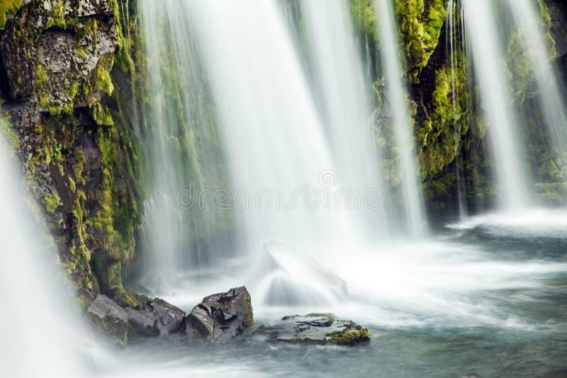 强有力的瀑布Kirkjoufellfoss 图库摄影
