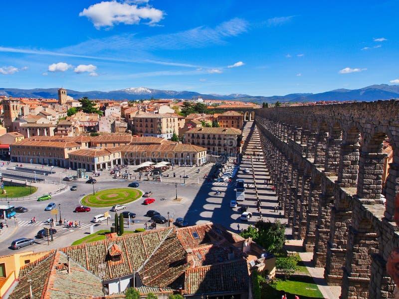 强的阴影,古老罗马渡槽,塞戈维亚,西班牙 免版税库存图片