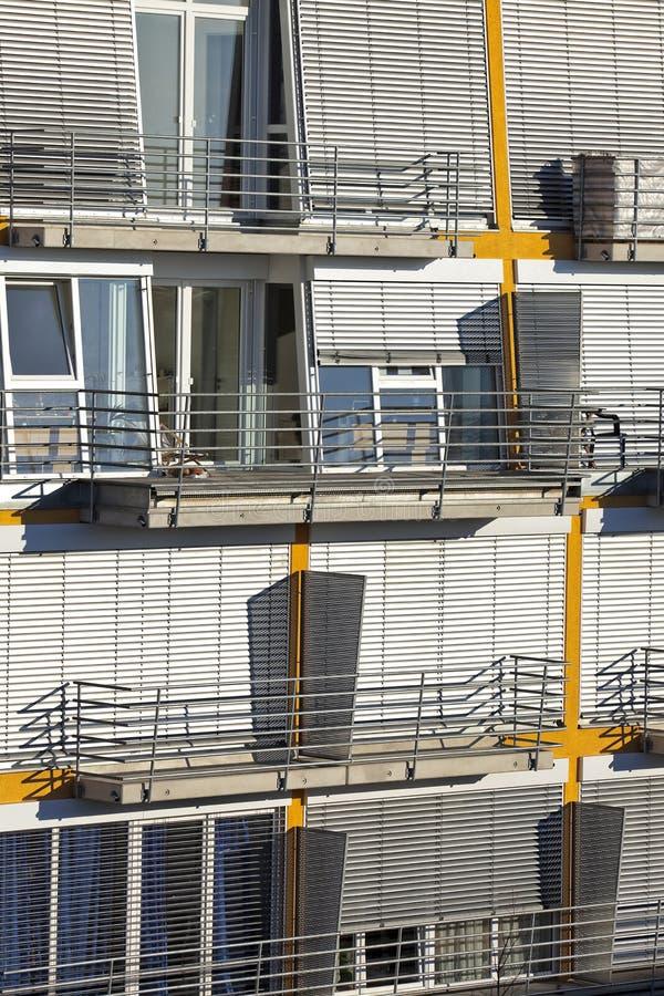当代豪华公寓,顶楼房屋 库存照片
