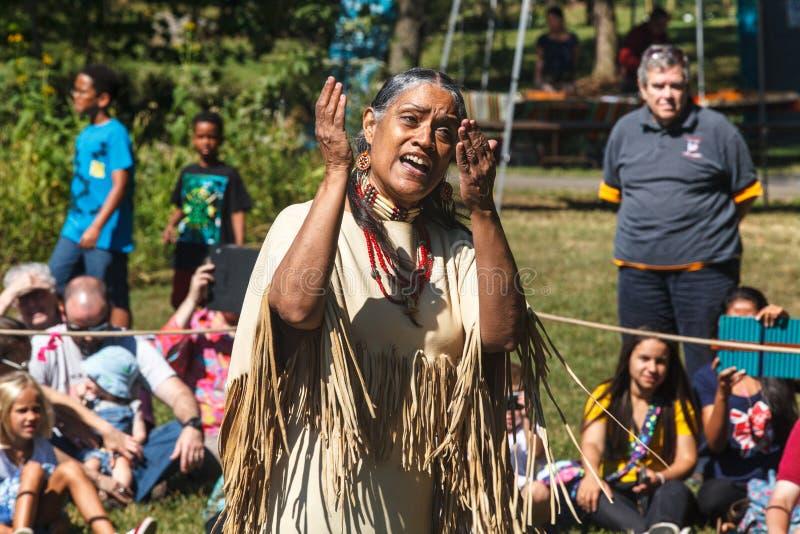 当地美洲印第安人讲故事者 免版税库存图片