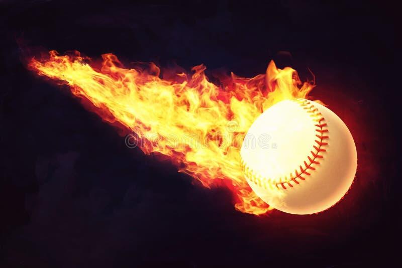 当它在黑暗的背景时,飞行3d一个白色棒球球的翻译与红色缝的在火焰被捉住 库存例证