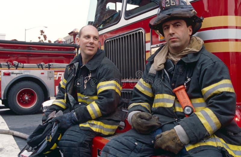 当班FDNY的消防队员,纽约,美国 免版税库存图片