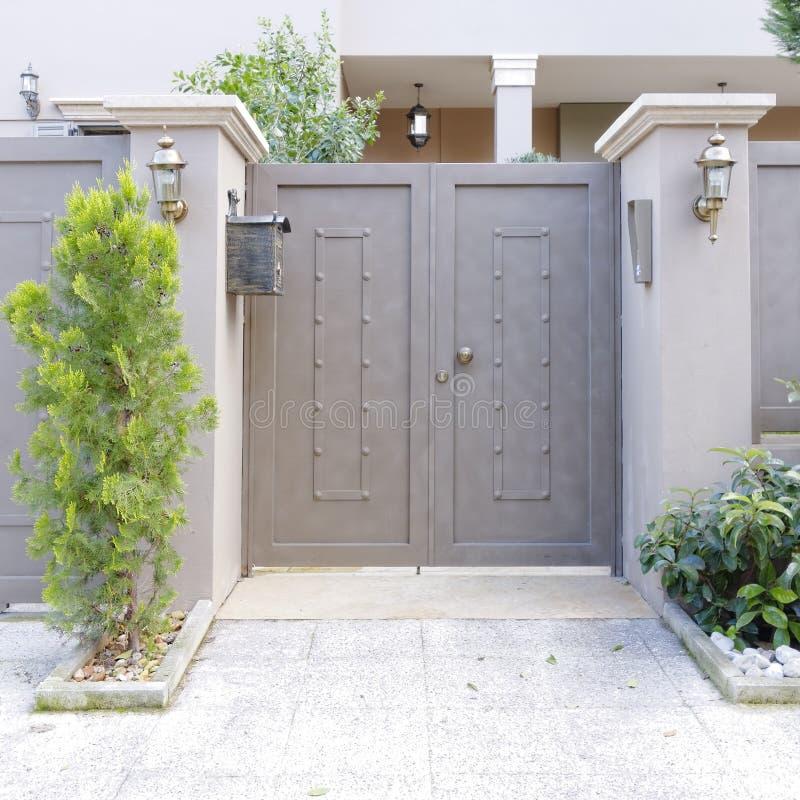 当代房子门,雅典希腊 免版税图库摄影