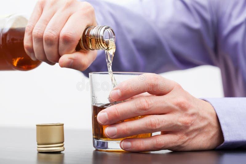 当代问题-酒精中毒 库存照片