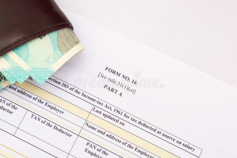 形式16证明对雇员的雇主问题,当TDS由雇主扣除 免版税库存照片