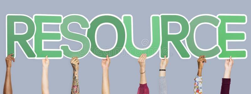 形成词资源的绿色信件 免版税库存图片