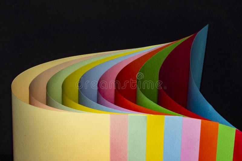 彩纸,折叠在曲线 免版税库存图片
