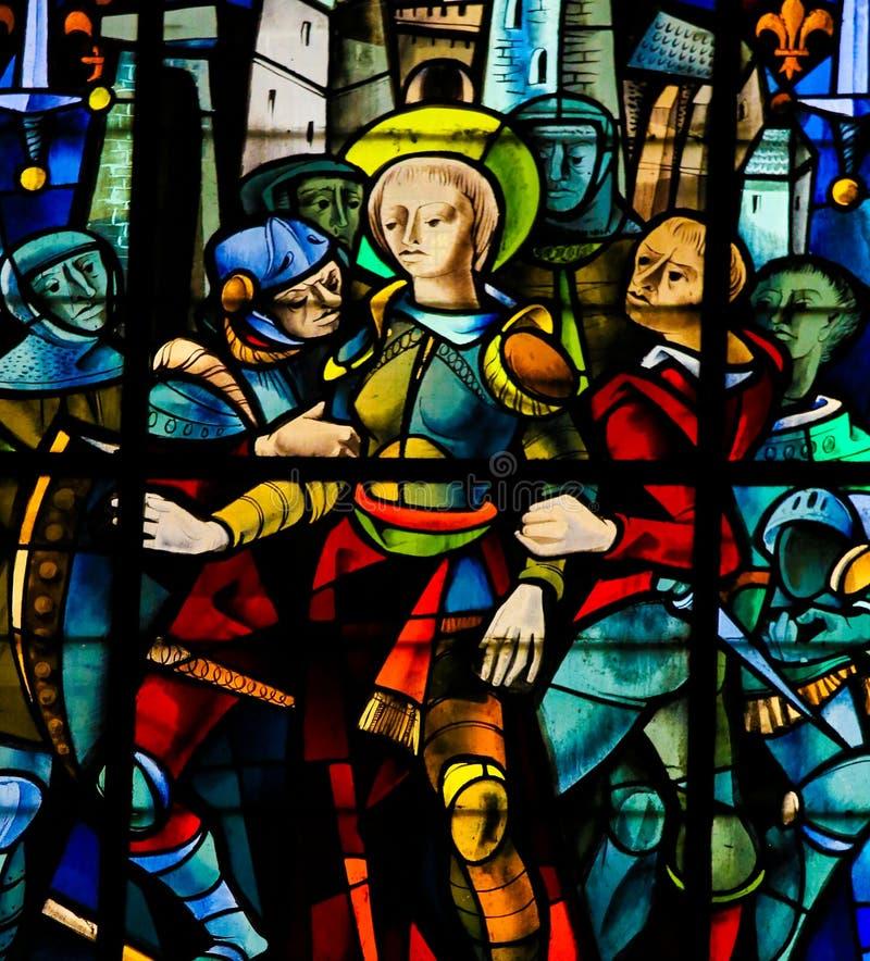 彩色玻璃在鲁昂大教堂-圣贞德里 库存图片