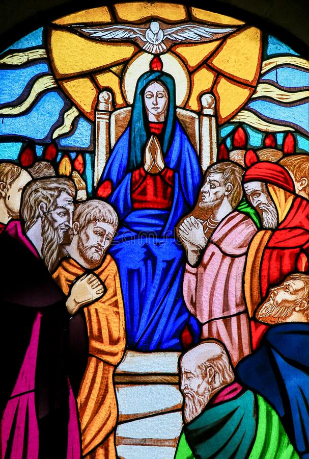 彩色玻璃- Pentecost窗口 免版税图库摄影