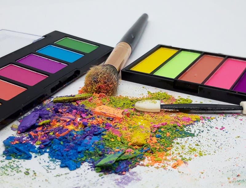 彩色粉碎眼影化妆粉 库存图片