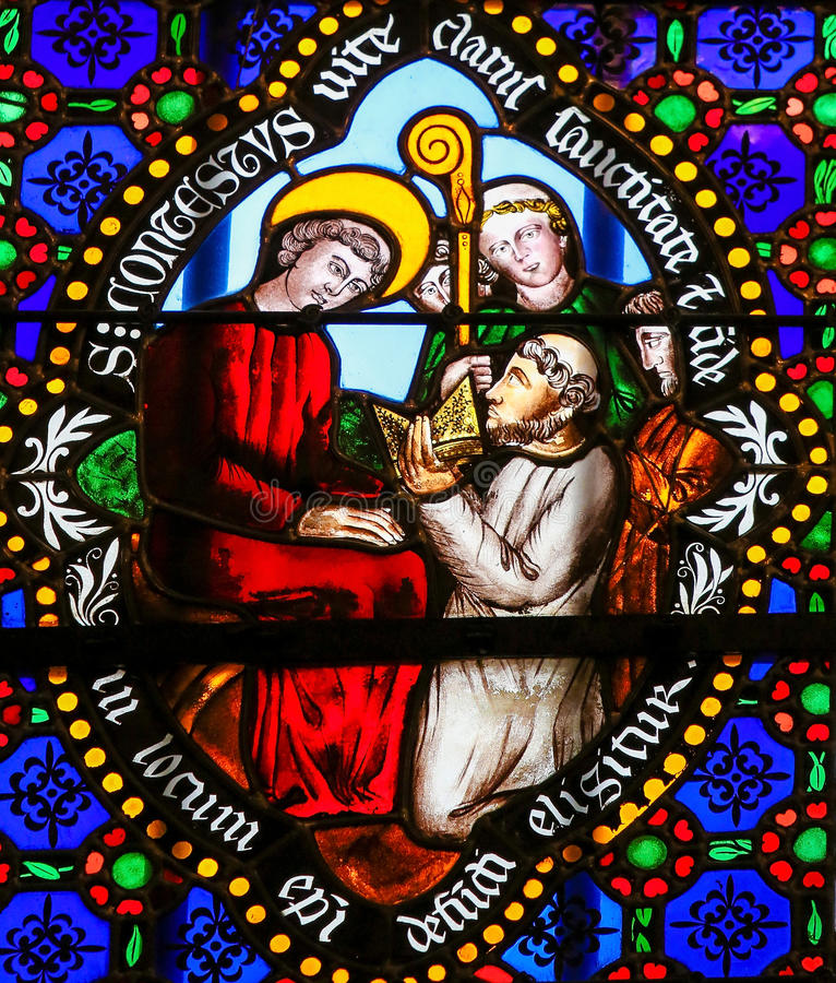 彩色玻璃-圣徒作为巴约的主教被奉献的Conteste我 皇族释放例证