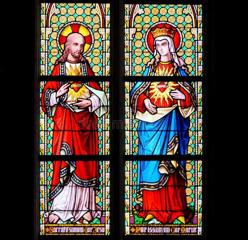 彩色玻璃-耶稣和3月的多数纯净的心脏的耶稣圣心 免版税库存照片