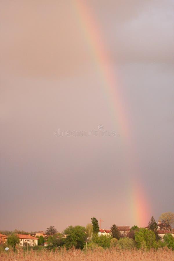 彩虹在一下雨天以后 免版税图库摄影