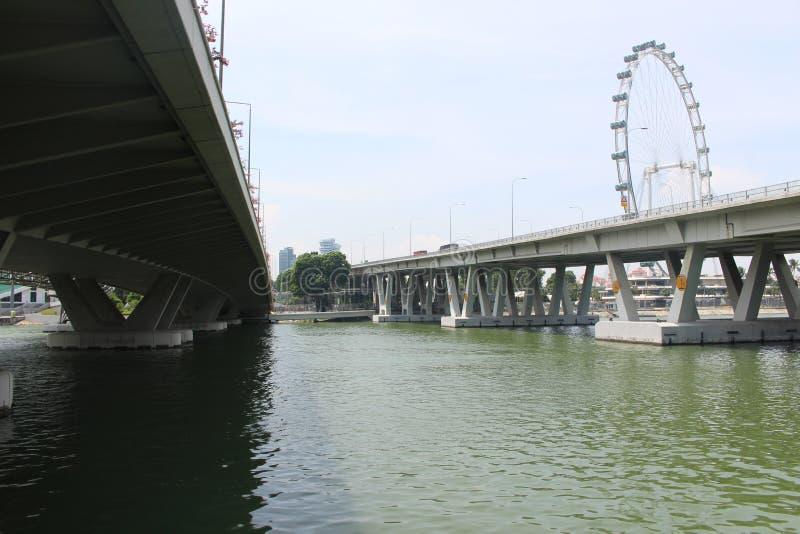 阴影桥梁 免版税库存照片