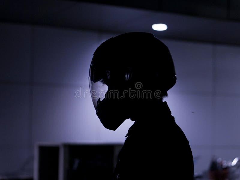 阴影的骑自行车的人 免版税库存照片