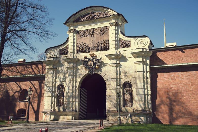 彼得和保罗堡垒和圣彼德堡门  库存图片