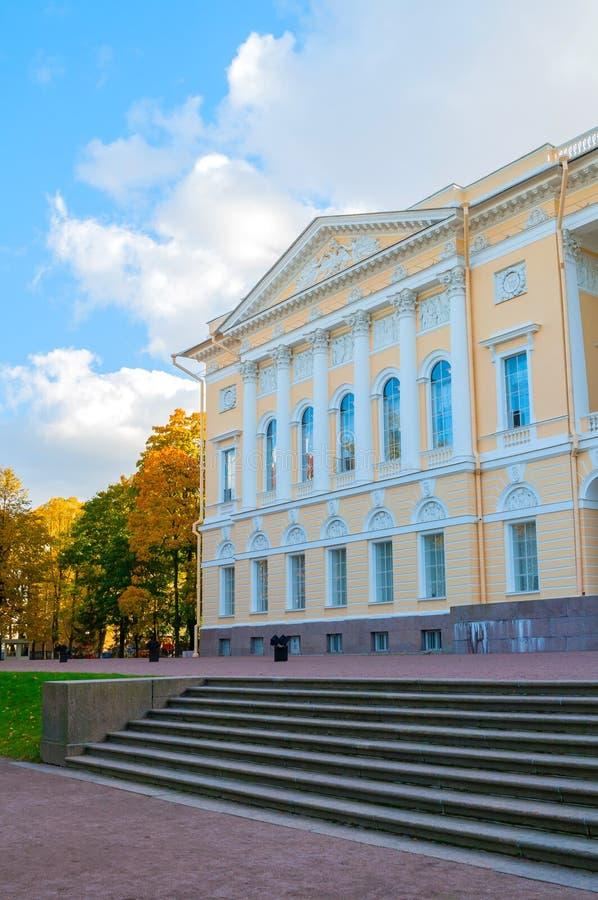 彼得斯堡俄国st Michaels宫殿的北边,修造圣彼德堡状态俄国博物馆,俄罗斯 库存照片