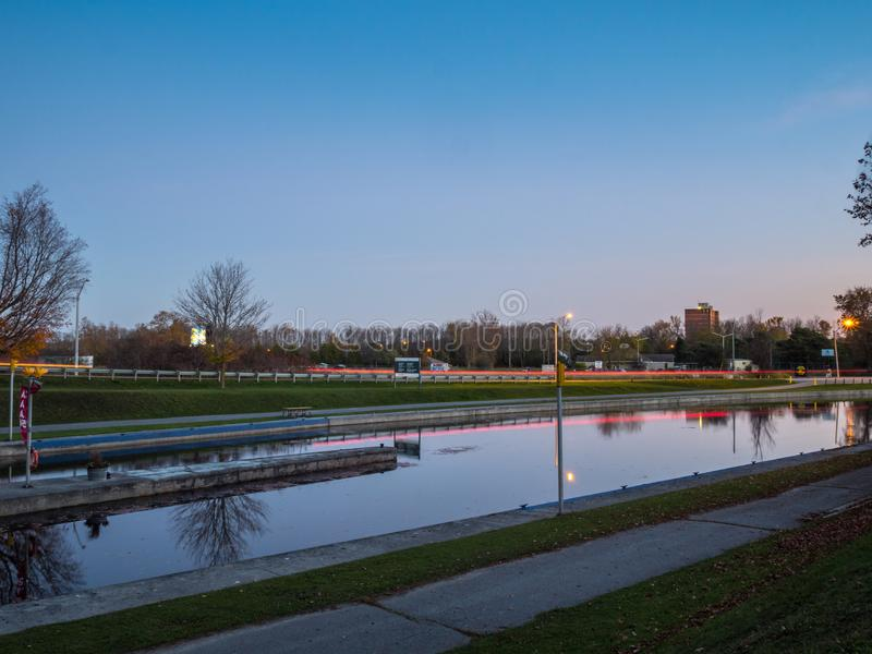 彼德伯勒推力锁特伦特Severn水路在黄昏 免版税库存照片