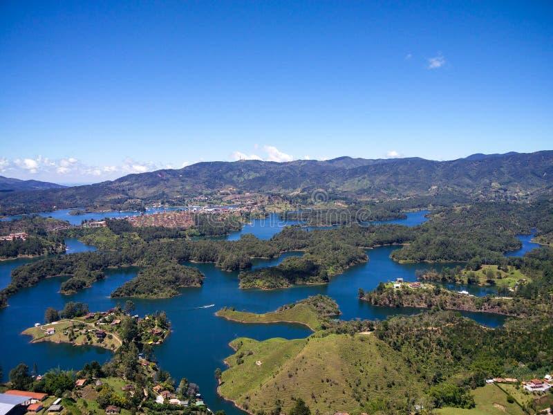 彼德拉del Penoll,瓜塔佩鸟瞰图在安蒂奥基亚省,哥伦比亚 库存图片