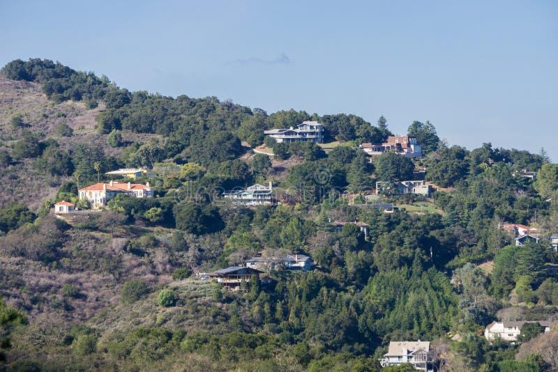 往在Los女低音小山建造的房子的看法 免版税图库摄影
