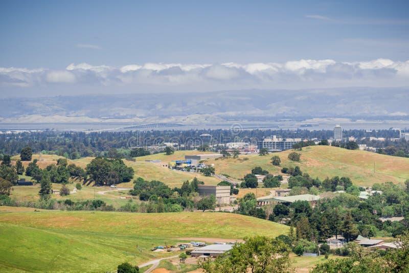 往敦巴顿橡树园桥梁从旧金山湾半岛,加利福尼亚的看法 库存照片