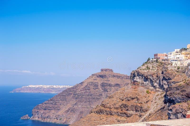 往Oia的看法从锡拉,圣托里尼,希腊 免版税库存图片