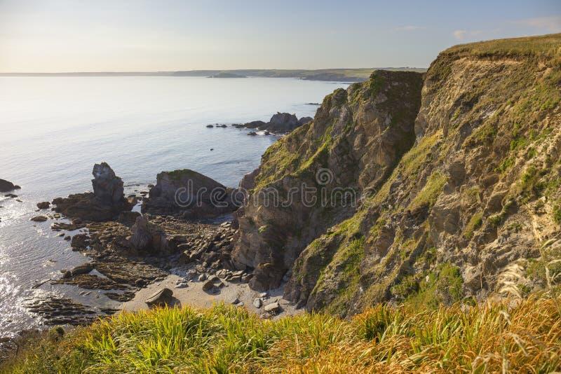 往Thurlestone海湾的看法从希望小海湾,德文郡,英国 库存图片