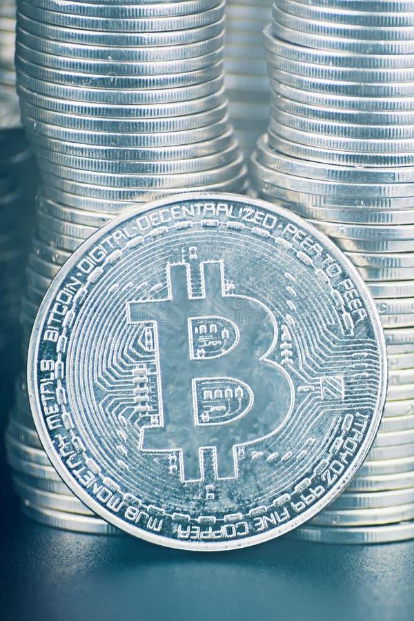 很多bitcoin 库存照片