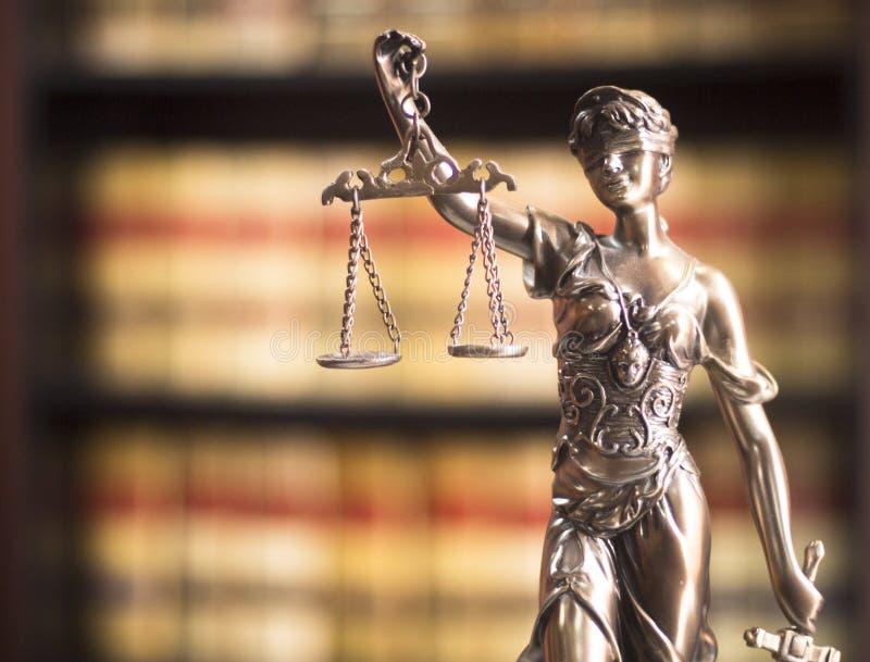 律师事务所法律雕象 免版税库存图片