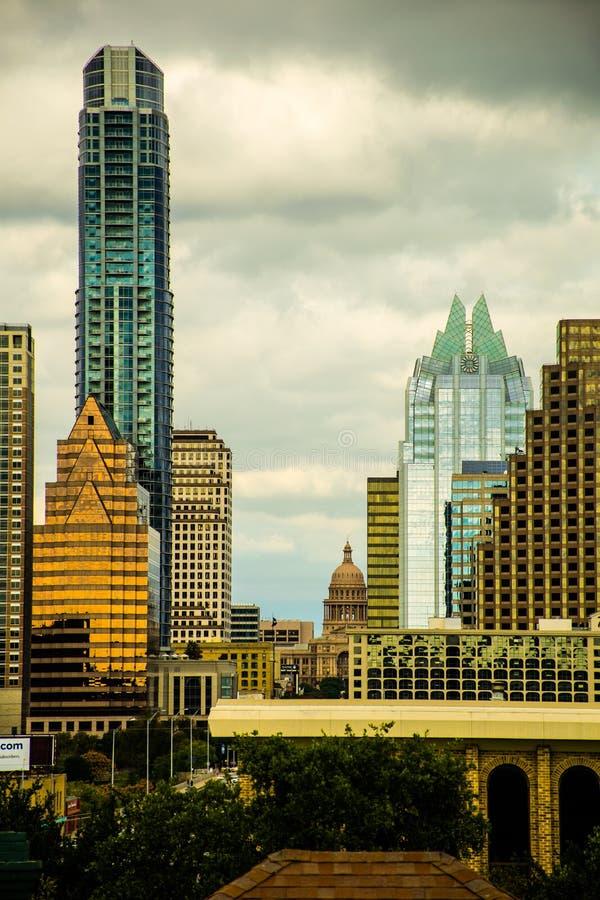 得克萨斯垂直的奥斯汀地平线国会大厦大厦  库存照片