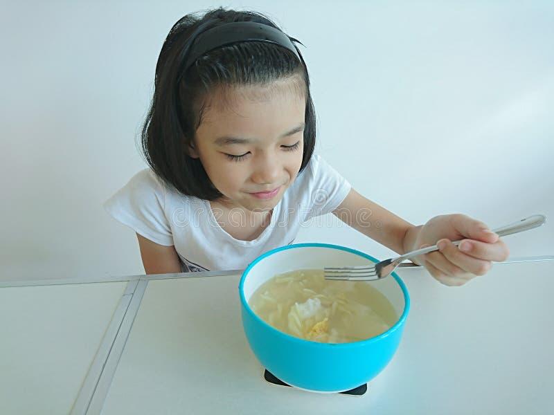 得到的女孩立即可食 免版税库存图片