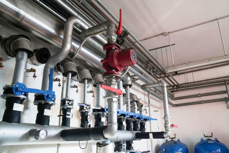 循环泵节能在锅炉室 免版税图库摄影