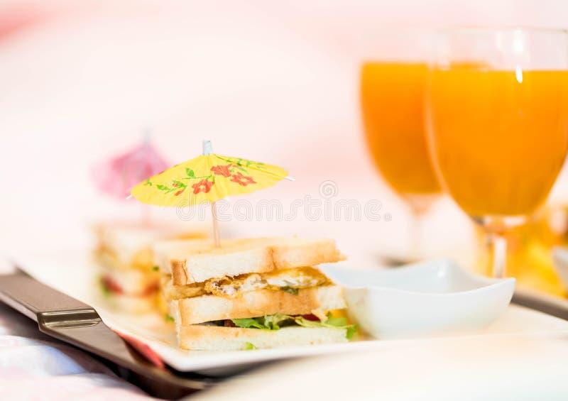 微型三明治用橙汁 免版税库存照片