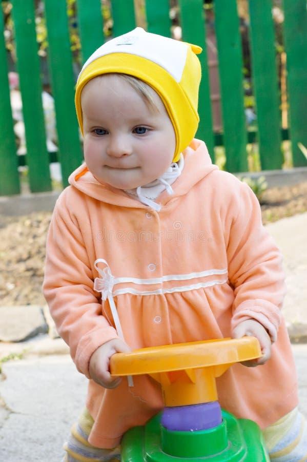 微型汽车女孩玩具 图库摄影