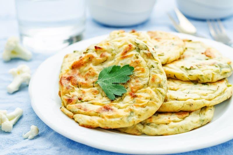 微型花椰菜的玉米粉薄烙饼 免版税库存照片