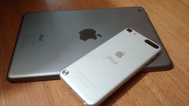 微型苹果计算机的iPad和iPod 库存图片
