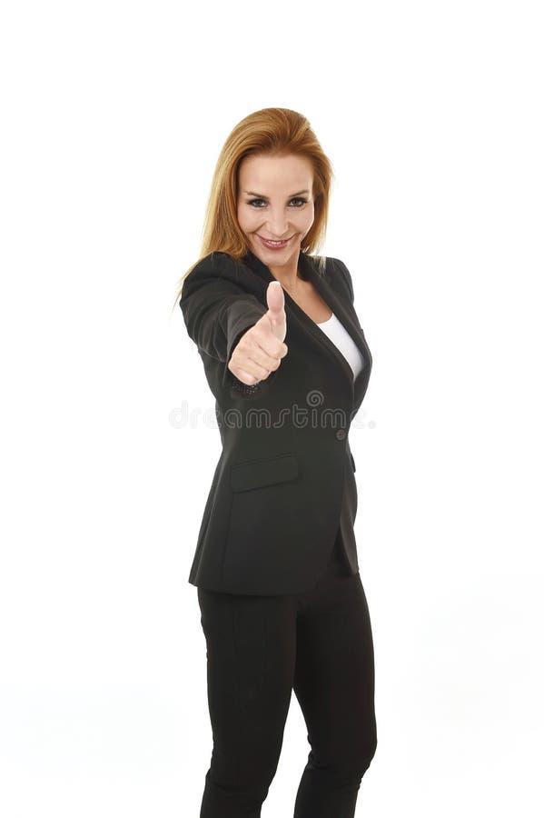 微笑公司业务画象可爱的金发的女实业家愉快和确信的成功概念 免版税库存图片