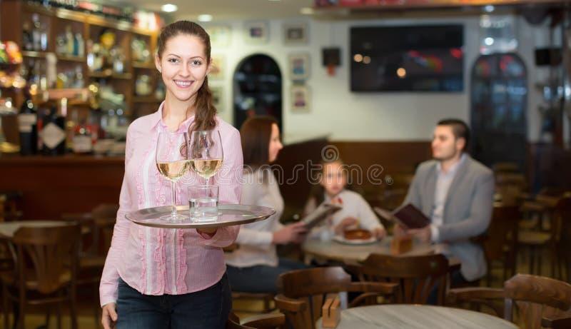 微笑刺人和酒吧乘员组 免版税图库摄影