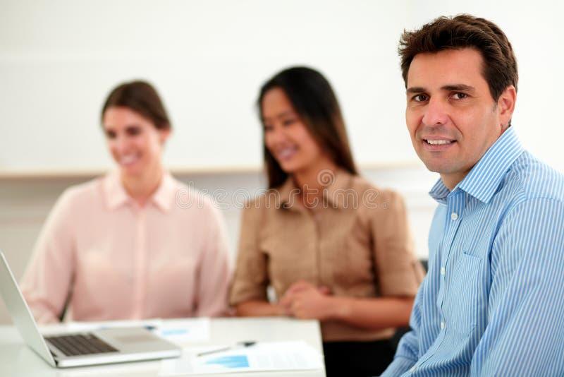 微笑对您的成人西班牙人 免版税图库摄影