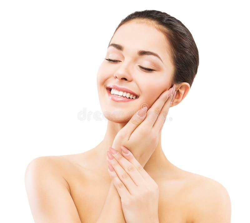 微笑的女人,面部和手部皮肤护理,自然美妆,快乐的女孩笑着放松,在白色上 免版税库存照片