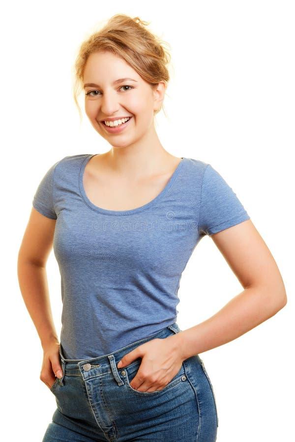 微笑的年轻白肤金发的妇女 图库摄影