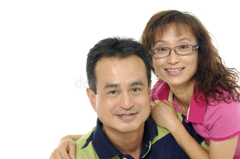 微笑的新夫妇 库存图片