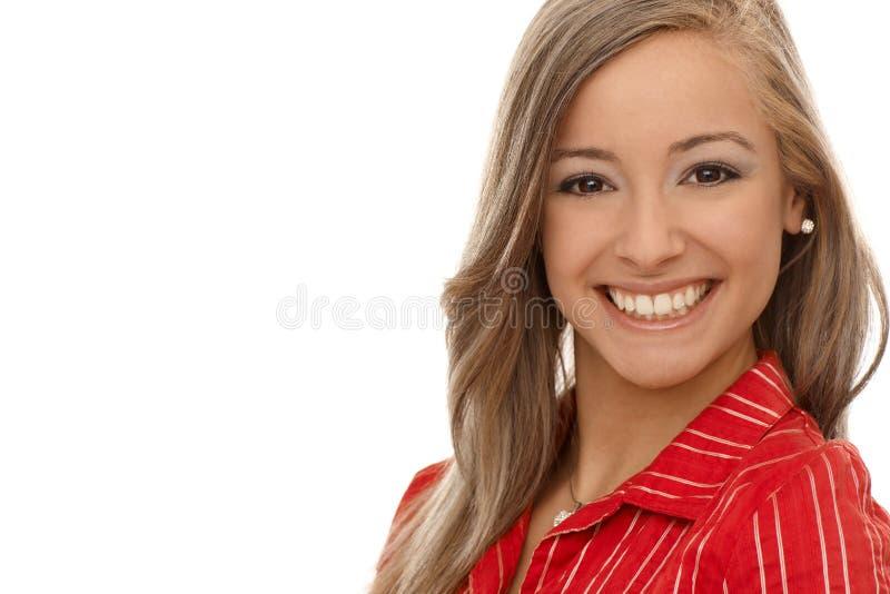 微笑的白肤金发的妇女纵向  免版税库存照片