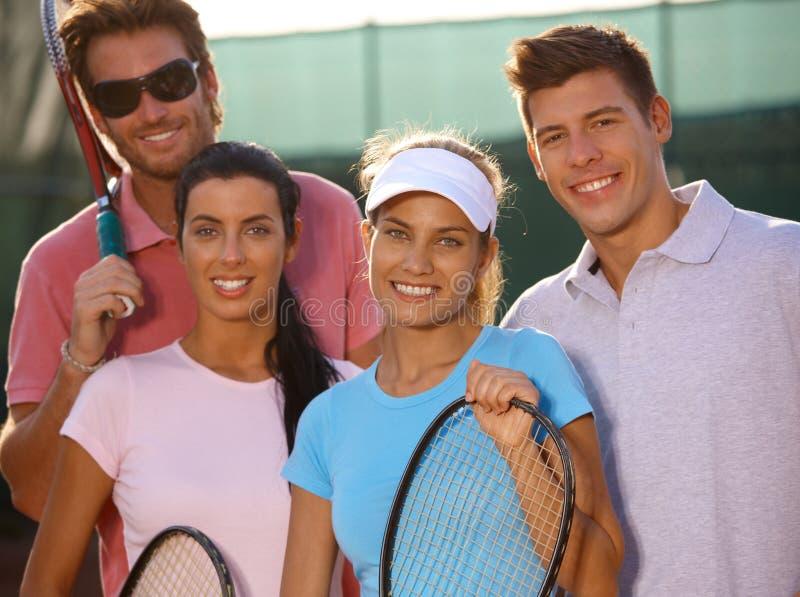 微笑的网球小组纵向  图库摄影
