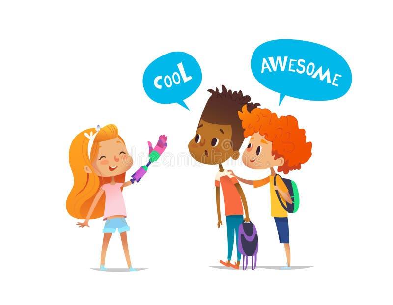 微笑的被截肢者女孩显示机器人胳膊给两个同学,男孩惊奇地看它并且鼓励她 儿童` s 向量例证