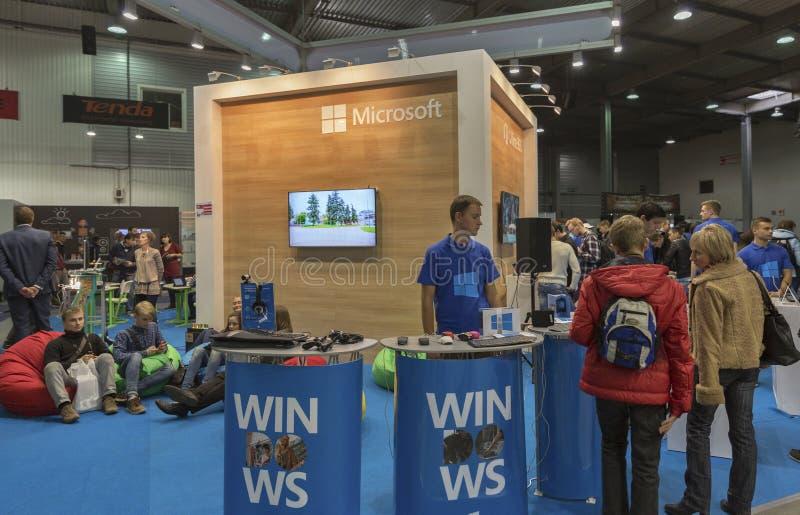 微软CEE的公司摊2015年,最大的电子商业展览在乌克兰 图库摄影