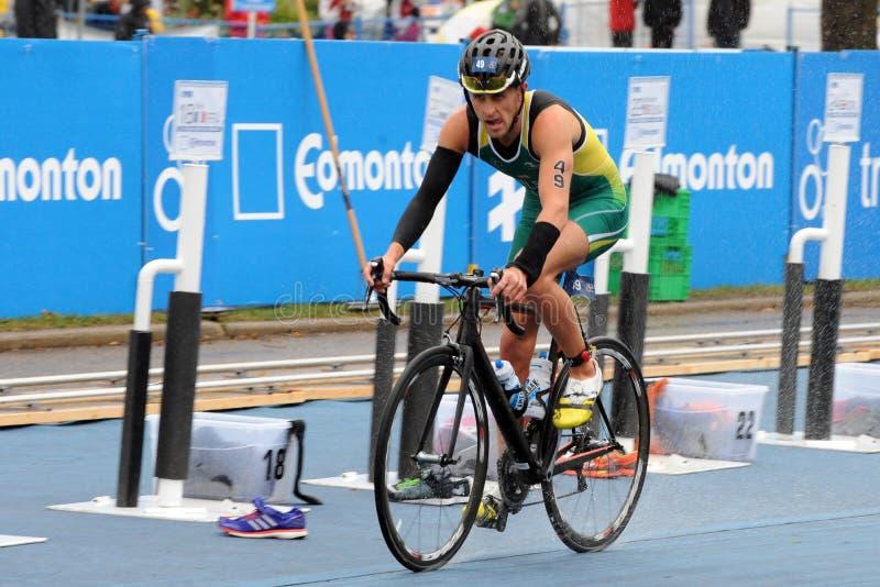 Download 德克兰威尔逊 图库摄影片. 图片 包括有 自行车骑士, 颜色, beauvoir, 肌肉, 健身, 水平 - 59108762