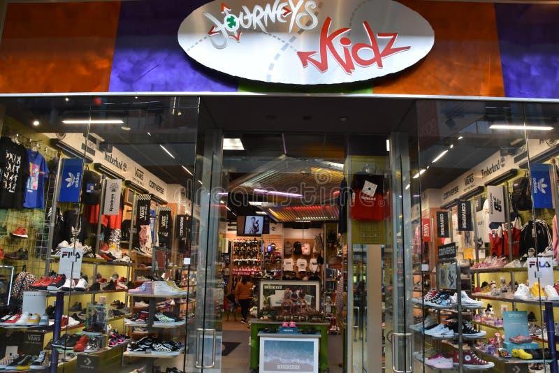 德克萨斯州休斯顿The Galleria商场的Journeys Kidz店 库存照片